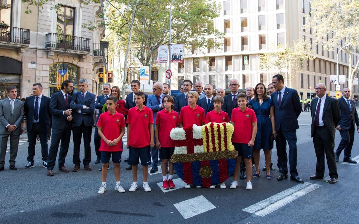 L'Agrupació participa amb el FC Barcelona en els actes de la Diada