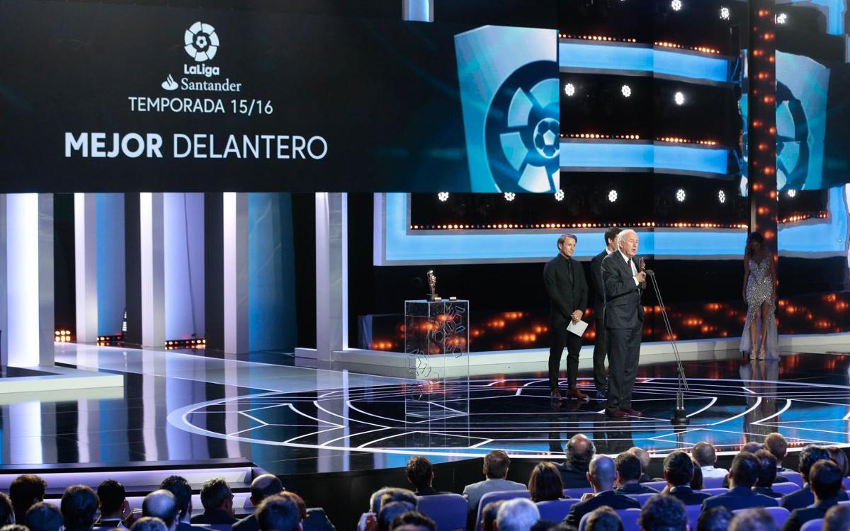 FCバルセロナ 、リーガから表彰