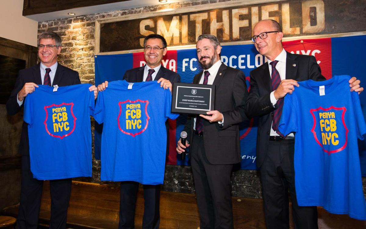 La Penya FC Barcelona New York City rep la delegació del Club a l'Smithfield Hall