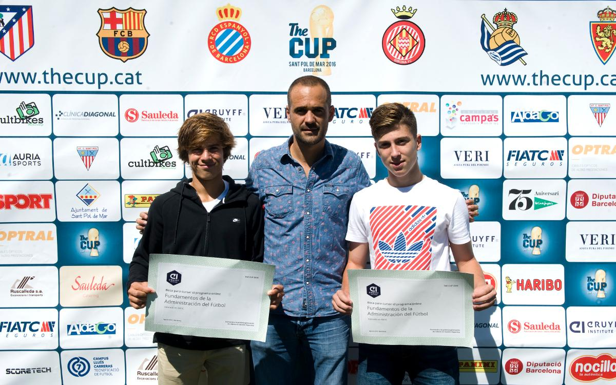 Riqui Puig y Enric Martínez reciben dos becas del Cruyff Institute