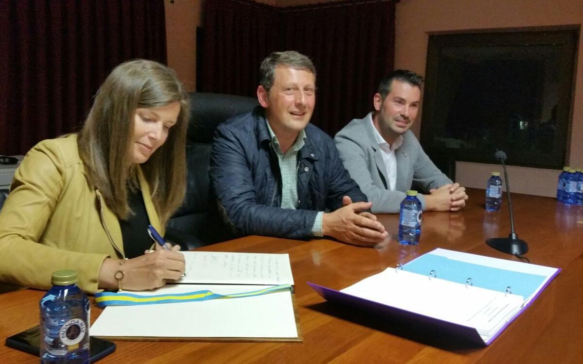 Fiesta grande en Tineo para celebrar el I Encuentro de Asturias y Cantabria