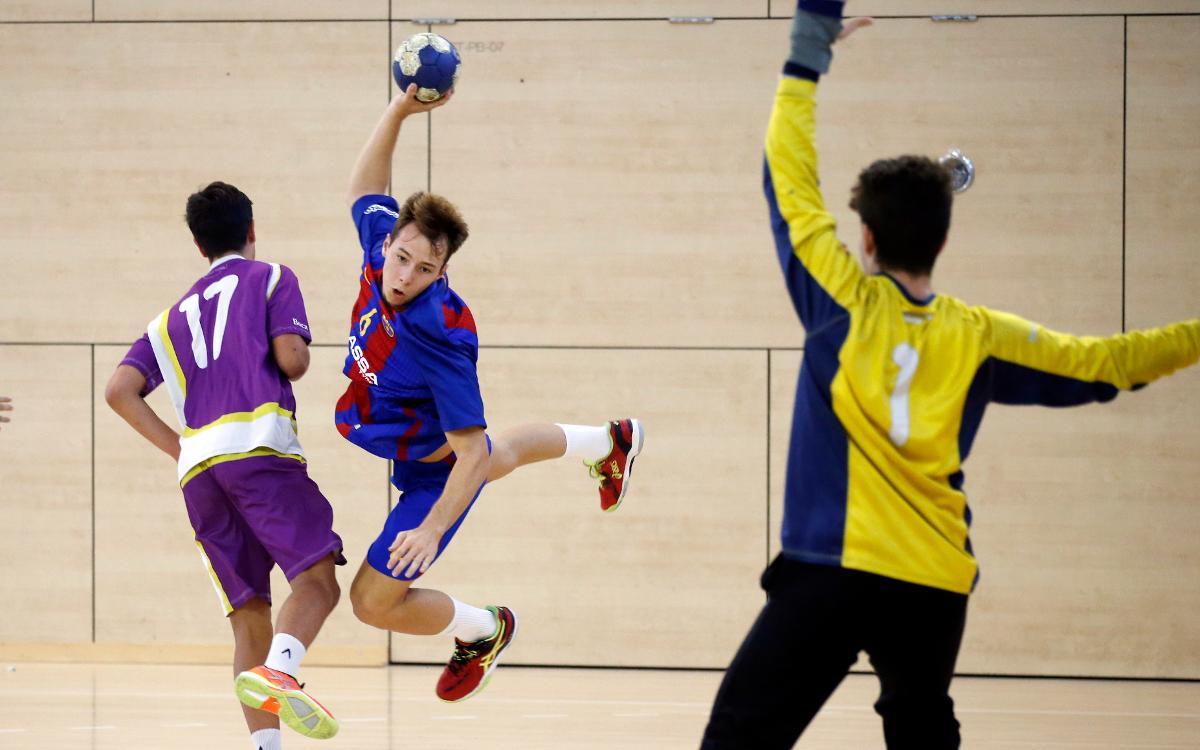 El Barça B sigue líder