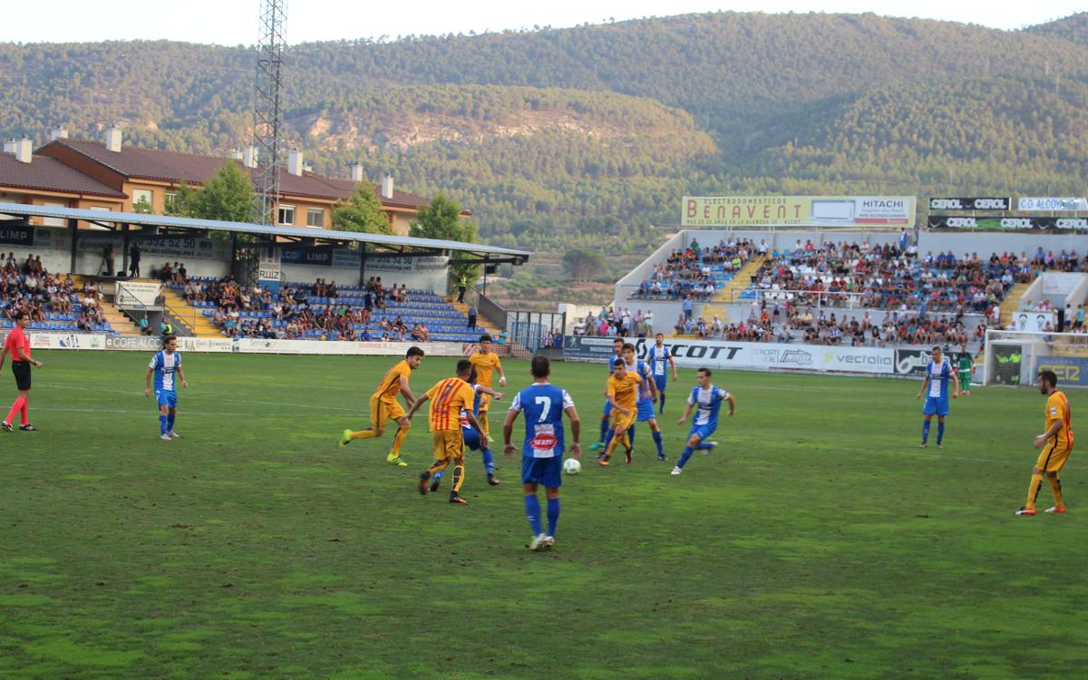 CD Alcoyano – Barça B: Reacción incompleta en inferioridad (3-2)