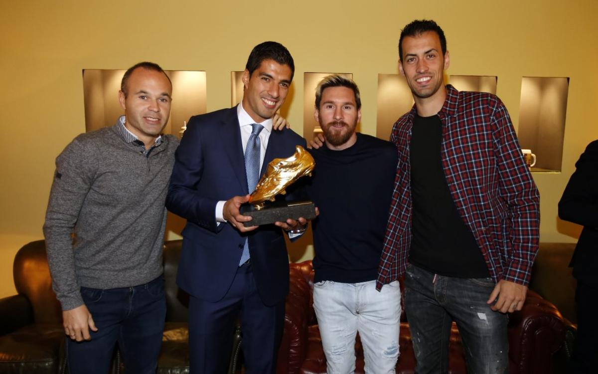 An insider's look at the day FC Barcelona striker Luis Suárez received his second Golden Shoe