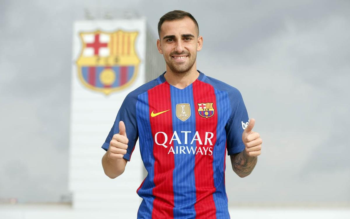 Paco Alcácer signs for FC Barcelona