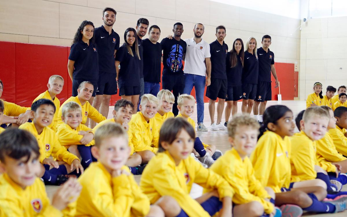Nelson Semedo visits Barça Academy players from the United States