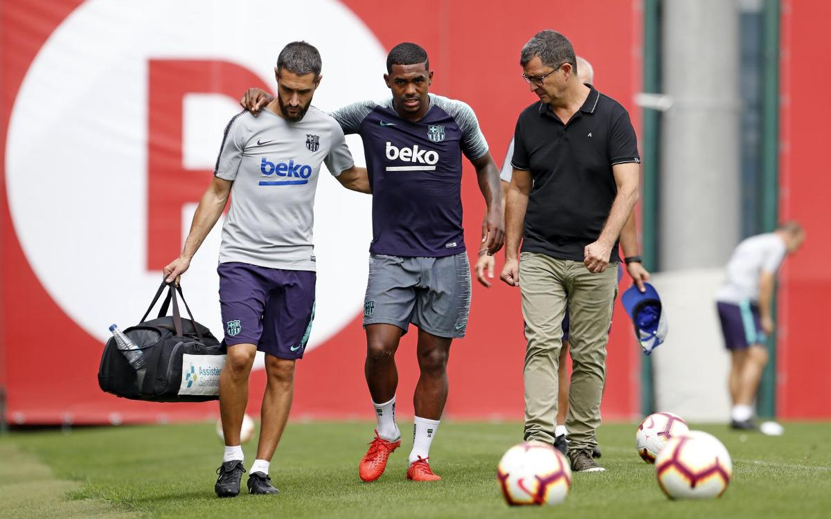 Malcom suffers right ankle injury