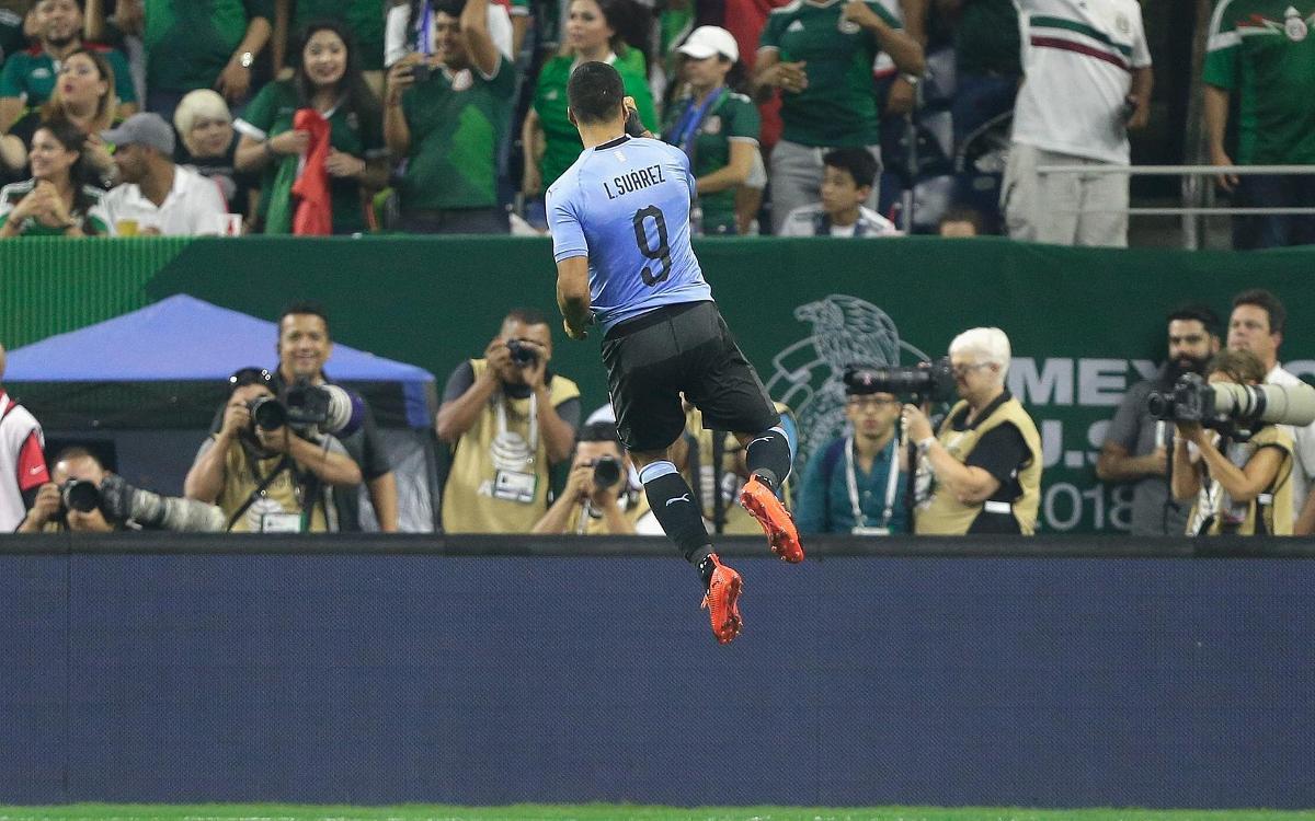 Exhibició de Luis Suárez en el triomf de l'Uruguai contra Mèxic
