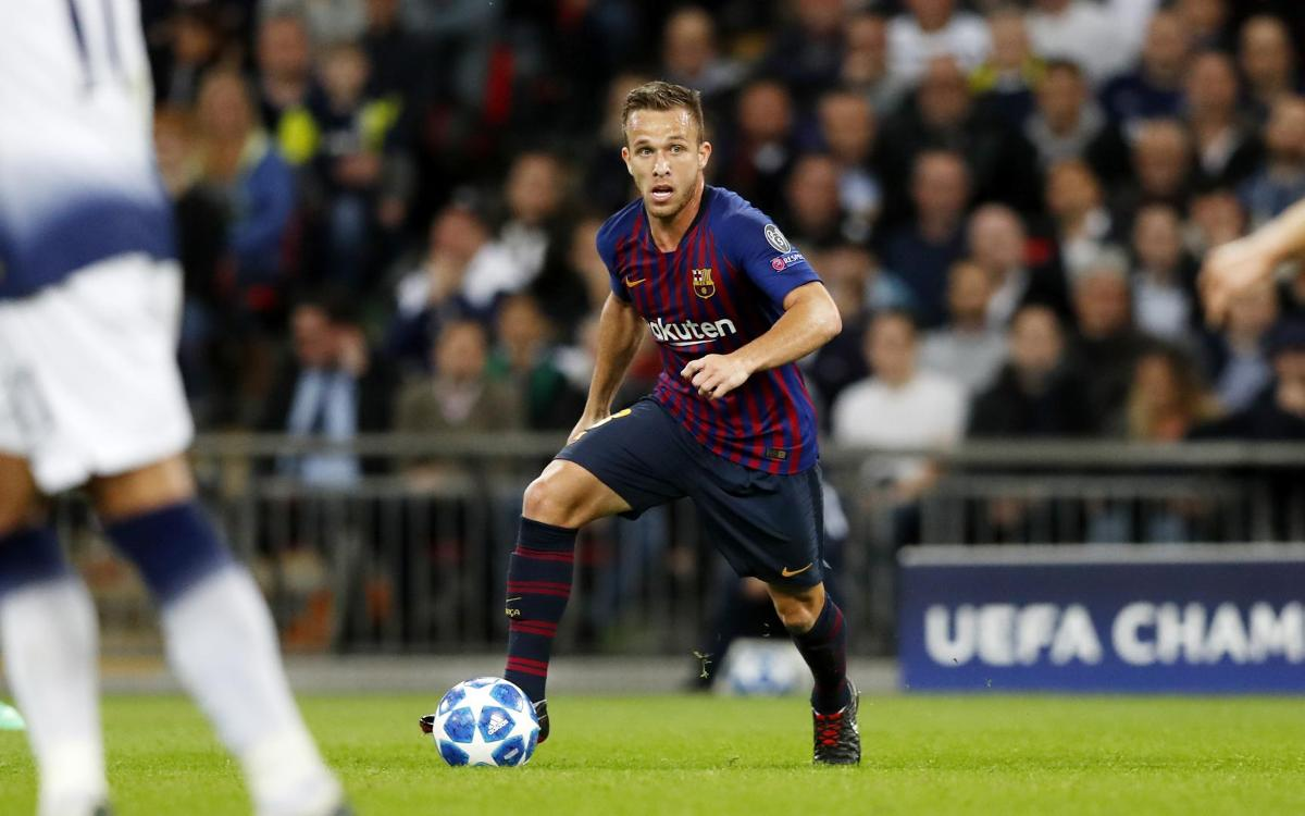 Arthur grew up idolizing Andrés Iniesta — now he wears his number