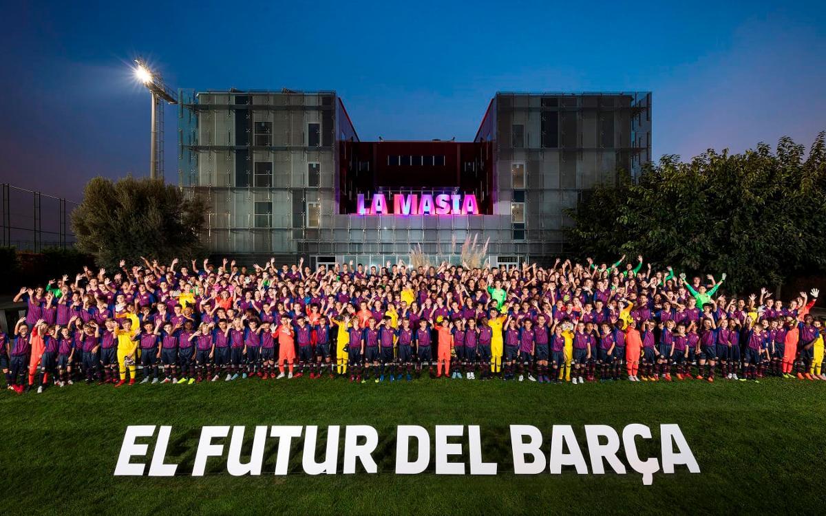 Presentades les plantilles del futbol formatiu del FC Barcelona de la temporada 2018/19