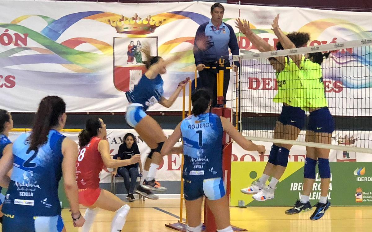 El Voleibol Femení segueix sumant mentre que el masculí no pot amb l'Eivissa