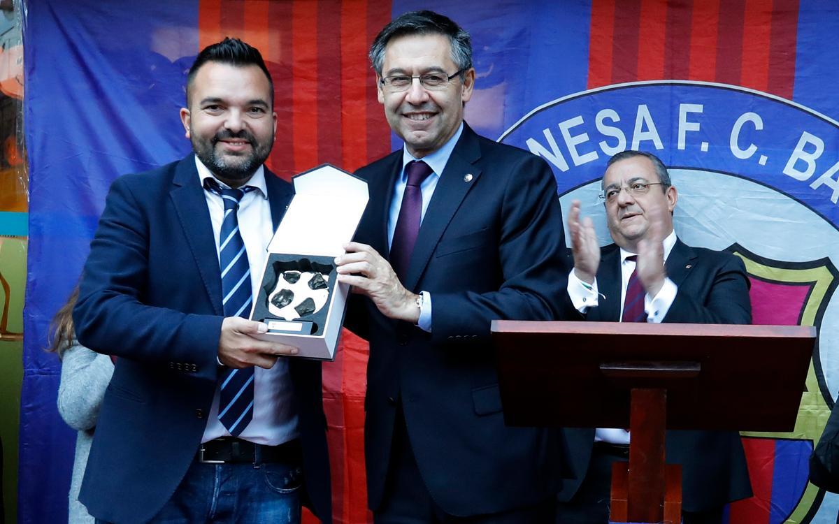 El presidente Bartomeu asiste a la inauguración de la nueva sede de la Peña Leonesa FC Barcelona