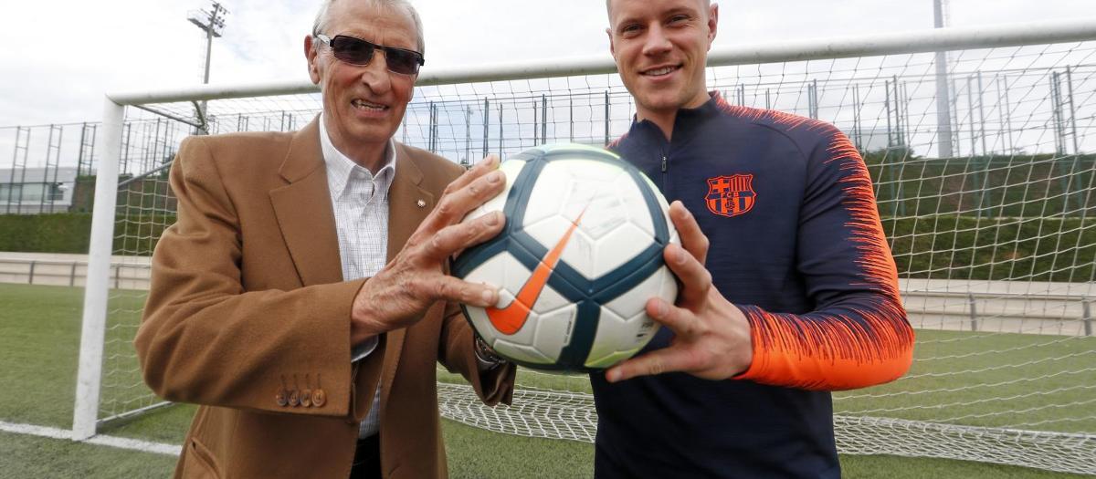 A meeting of goalkeepers: Sadurní and Ter Stegen