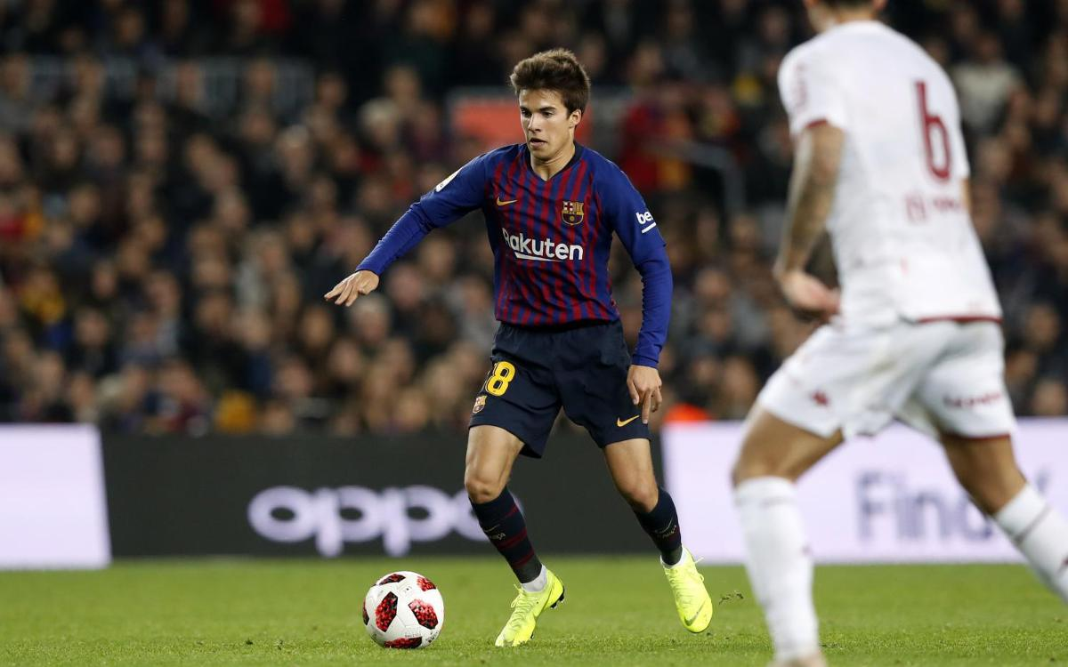 Riqui Puig makes official debut
