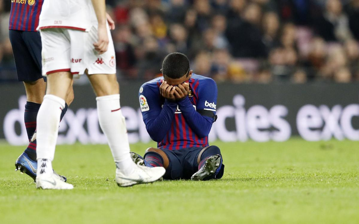 Malcom sprains right ankle