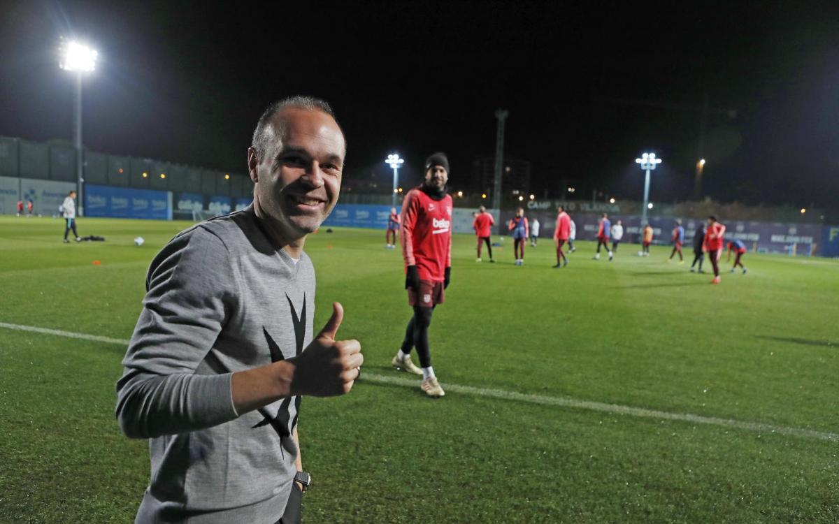 Iniesta visits former Barça teammates