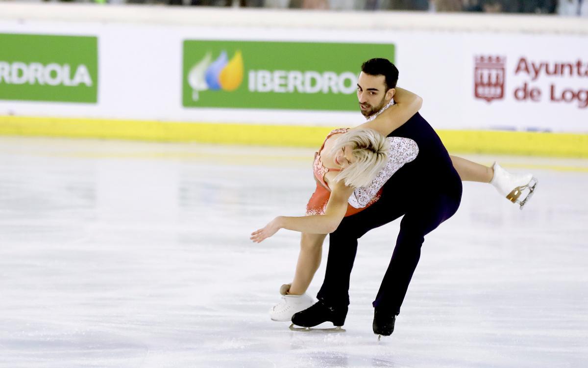 Olivia y Adrian.jpg