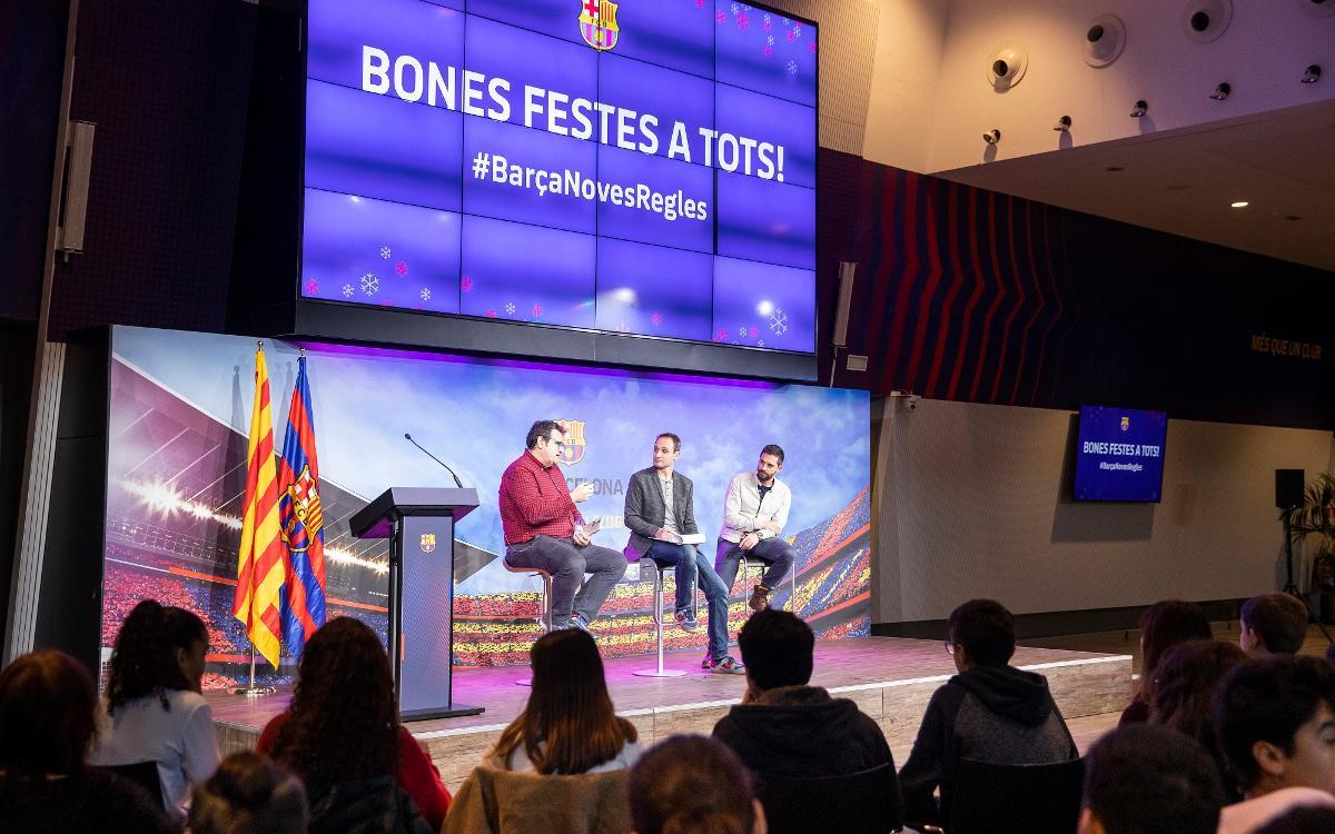 Conversación con estudiantes de Les Corts sobre el libro 'Todo Messi'