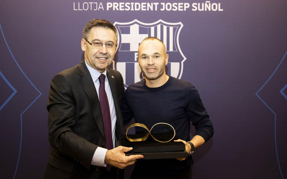 Andrés Iniesta takes in Barça vs Celta at Camp Nou