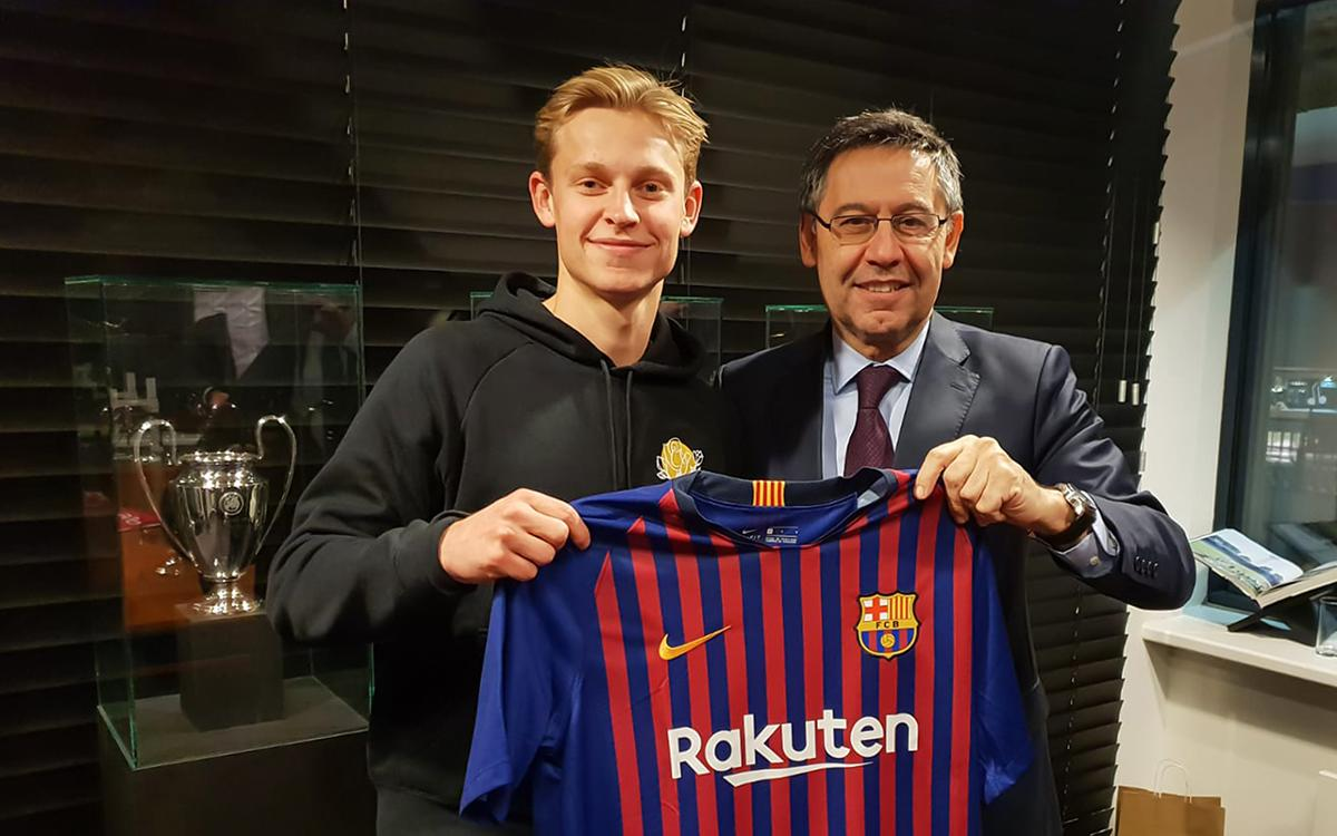 A year since the announcement of the signing of De Jong