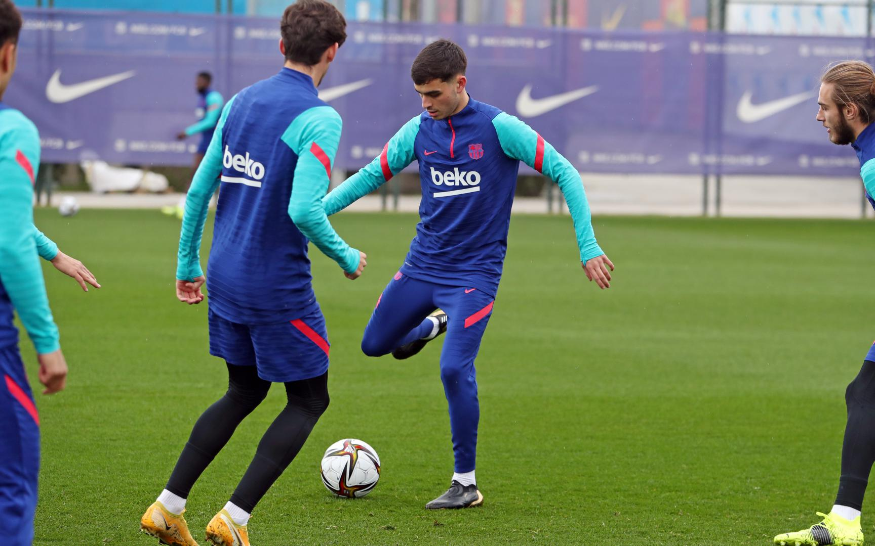 The squad for the trip to Sevilla - FC Barcelona