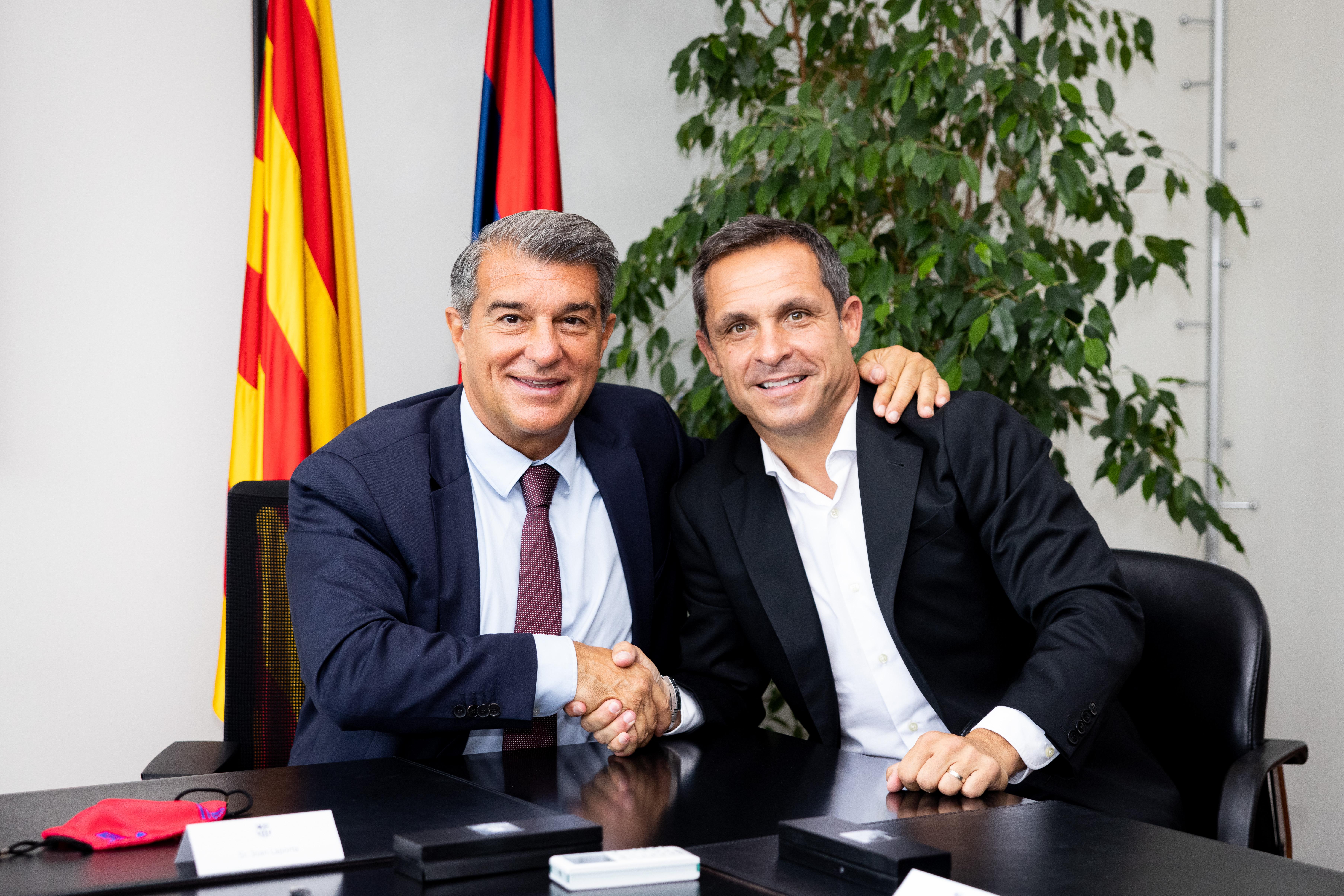 Sergi Barjuan làm huấn luyện viên của Barça B