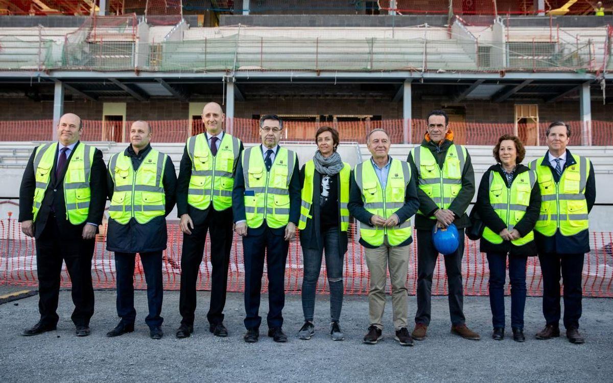 D'esquerra a dreta, Òscar Grau, Xavier Vilajoana, Jordi Moix, Josep Maria Bartomeu, Susila Cruyff, Antoni Poveda, Josep Ramon Vidal-Abarca, Belén Garcia i William T. Mannarelli.