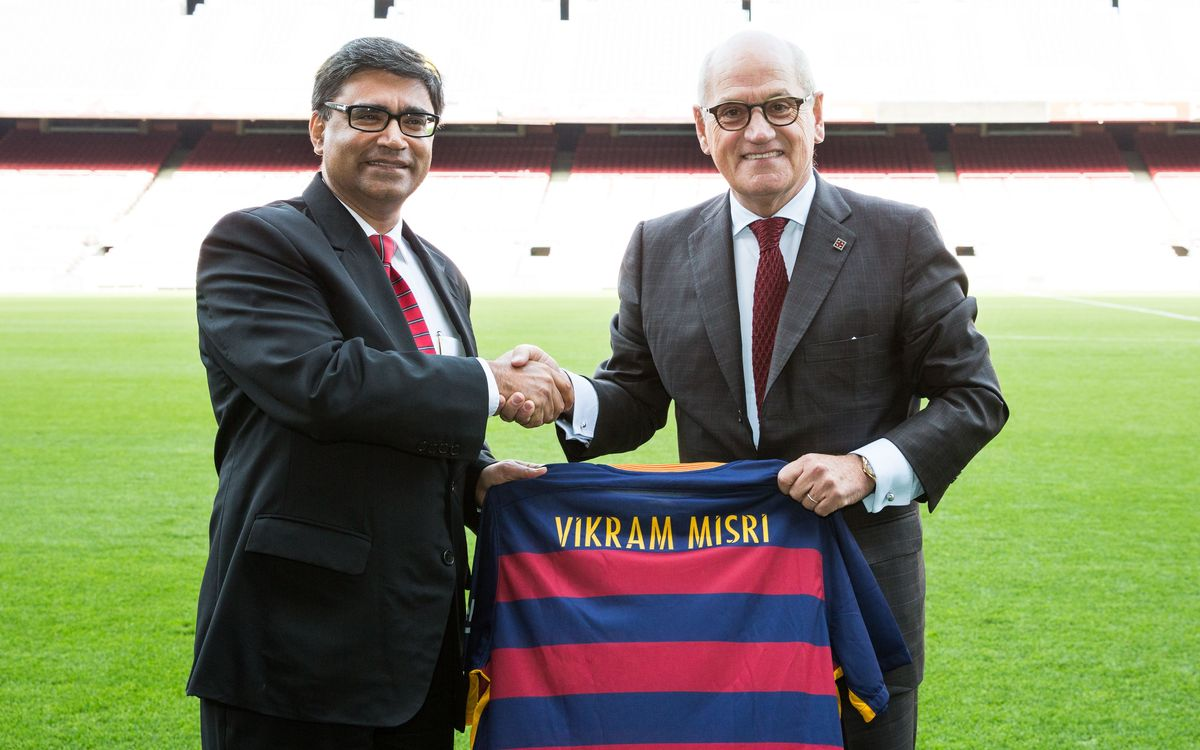 Indian Ambassador to Spain welcomed by FC Barcelona