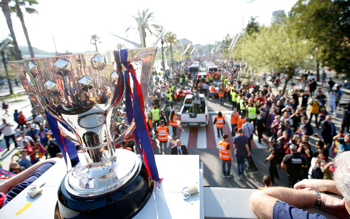 FC Barcelona fans flood streets to celebrate league title