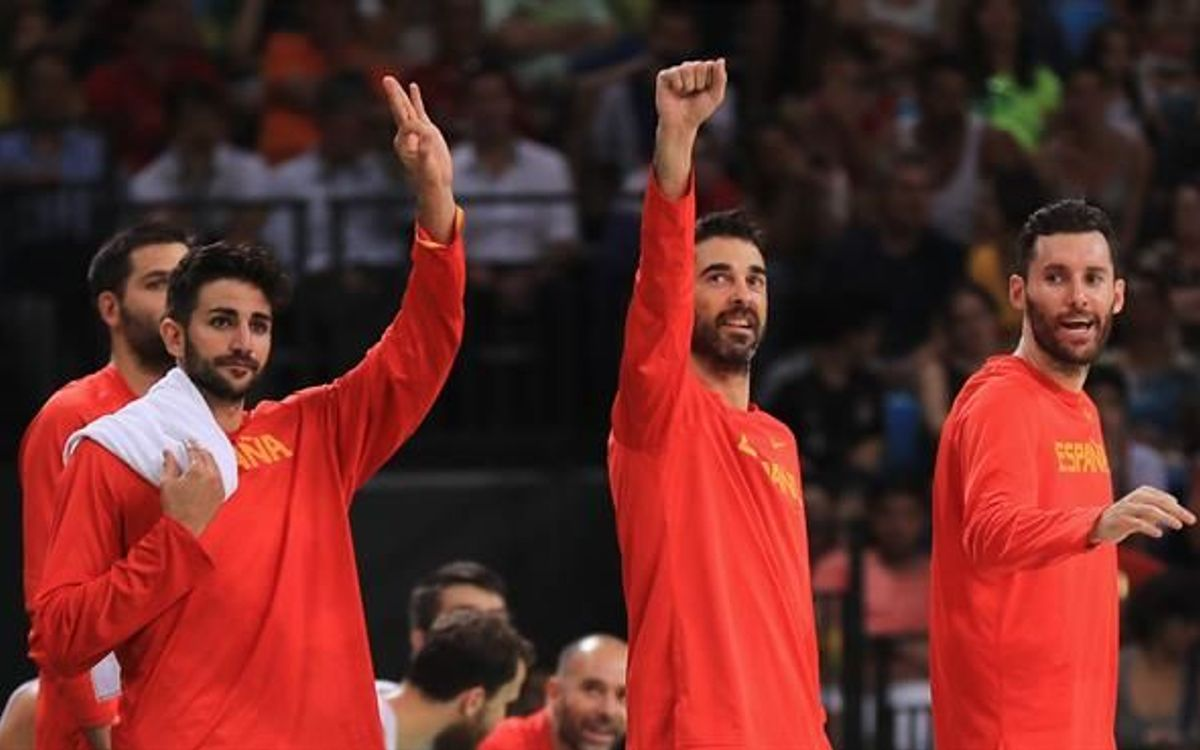 Juan Carlos Navarro i Víctor Claver es pengen la medalla de bronze a Rio (88-89)
