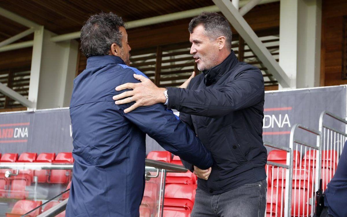 Roy Keane visita el entrenamiento del FC Barcelona