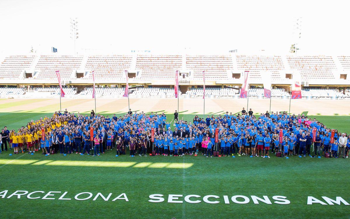 Los equipos formativos de las secciones amateurs del FC Barcelona celebran la clausura de la temporada