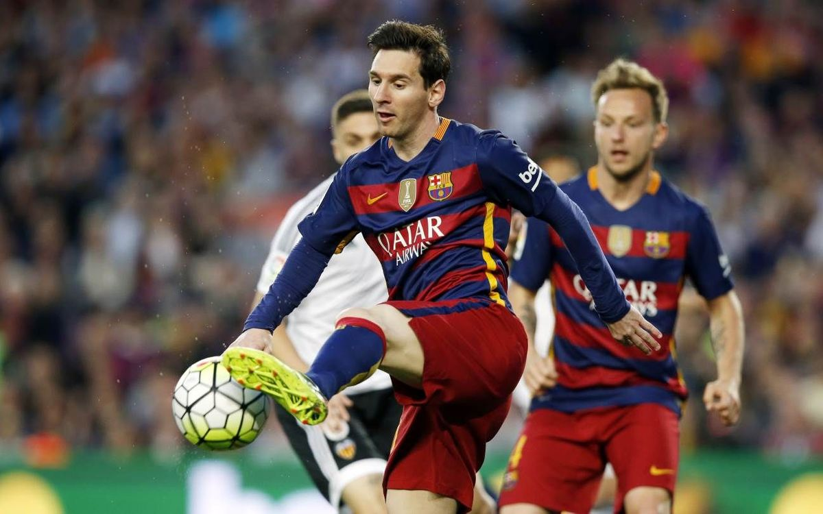 FC Barcelona down but not out after falling to Valencia, 2–1