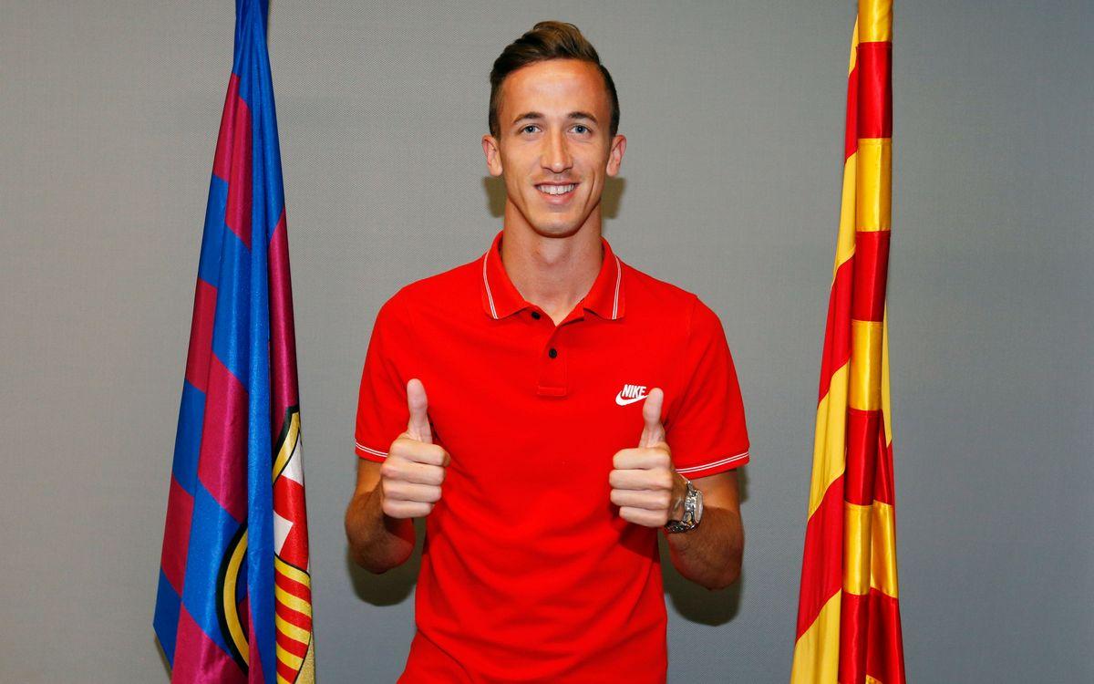 Juan Cámara renueva con el FC Barcelona