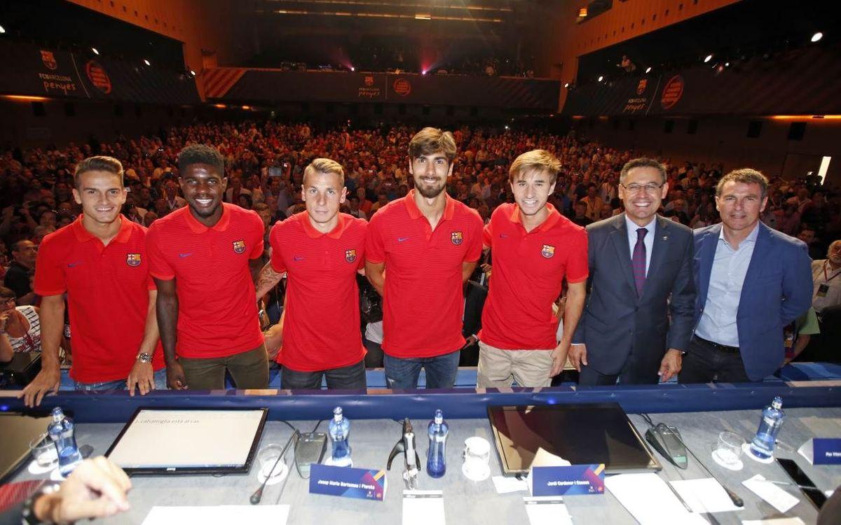 Los nuevos jugadores del primer equipo, presentados en el Congreso de Peñas