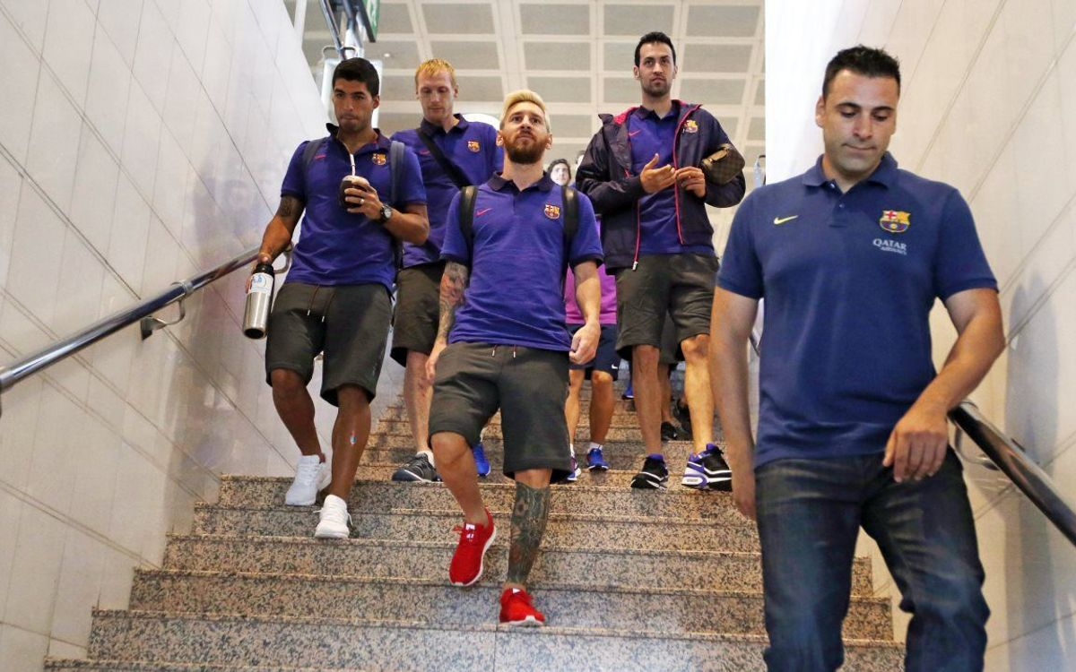 FC Barcelona arrive in Stockholm ahead of Leicester City friendly