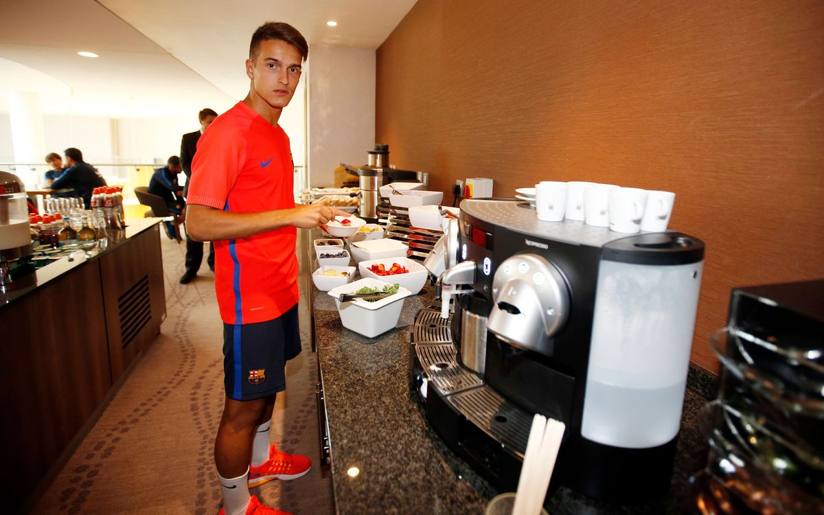 A day of training camp with Denis Suárez