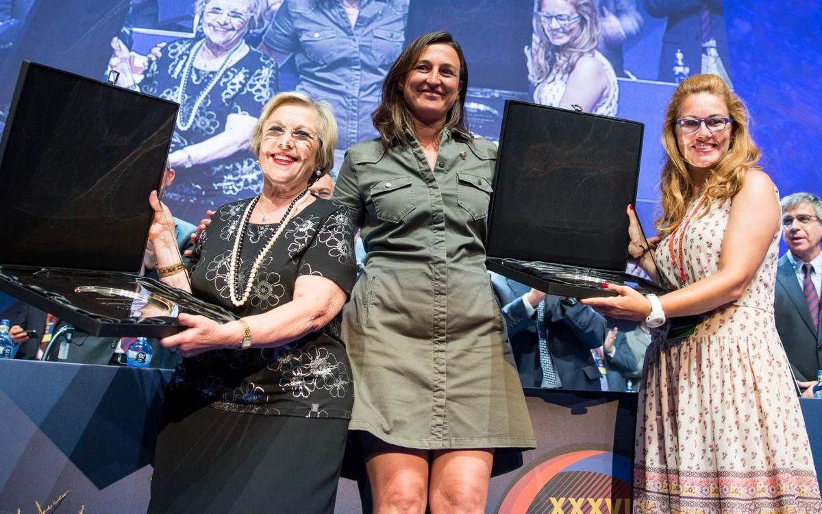 El Grup Edelmira Calvetó premia Maria Antònia Milà i Jordina Font