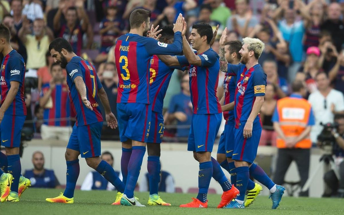 Luis Suárez joins FC Barcelona's free-kick club