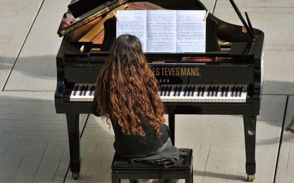 El FC Barcelona colabora en la difusión del concurso internacional de piano Maria Canals