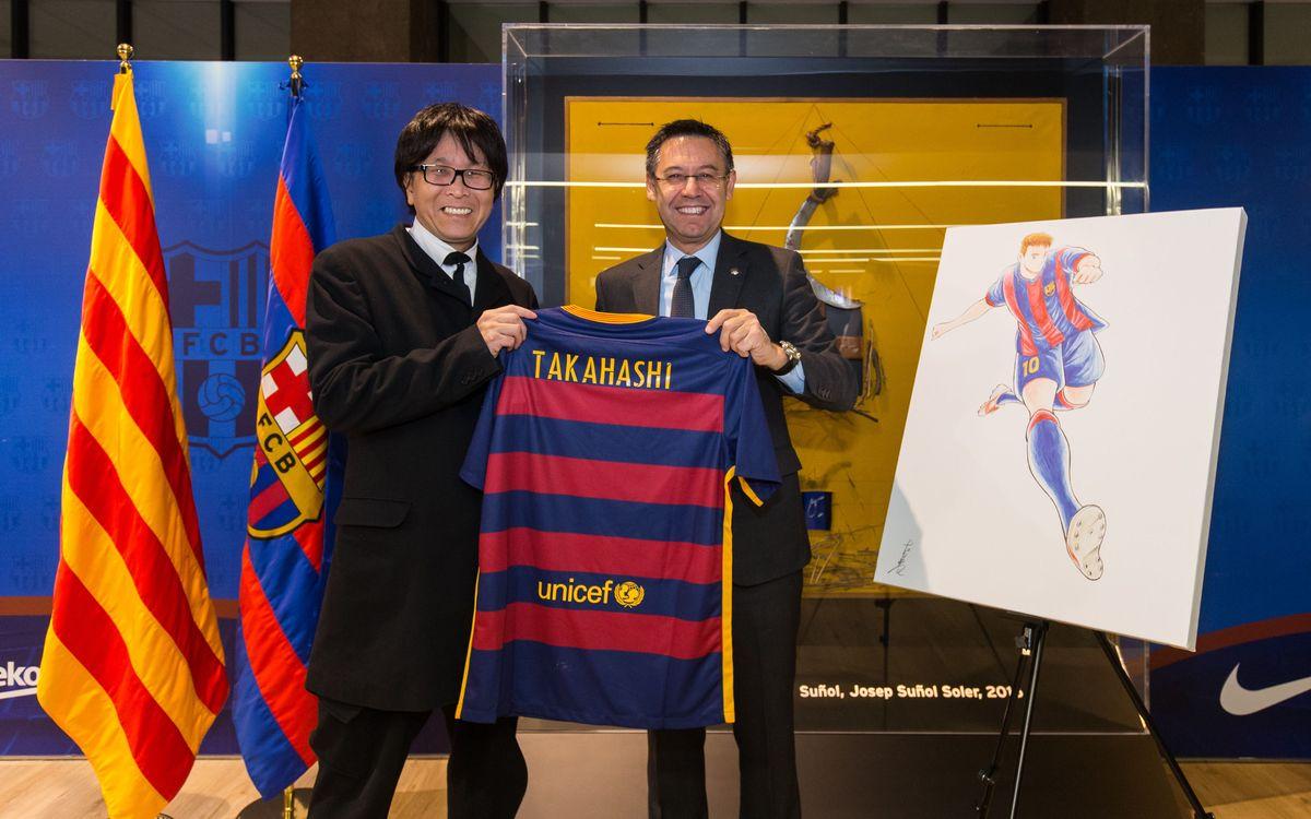 El creador de los dibujos animados 'Oliver y Benji' visita el FC Barcelona