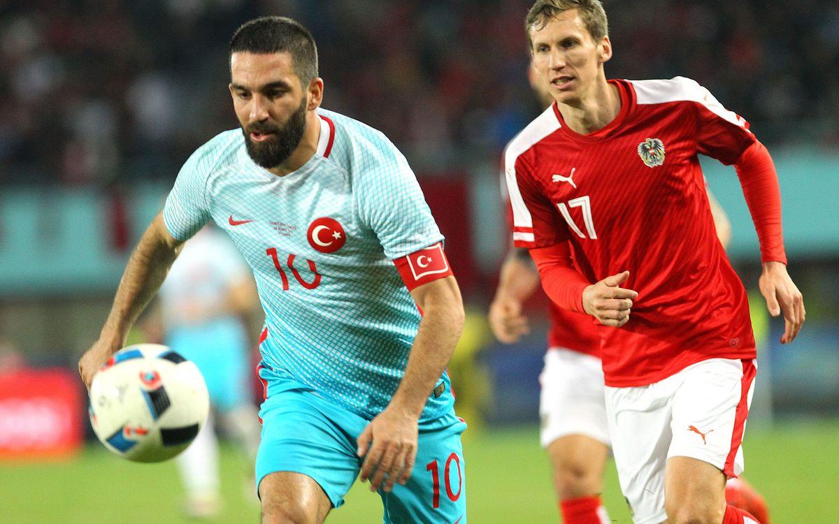 Arda Turan marca en la remuntada de Turquia contra Àustria