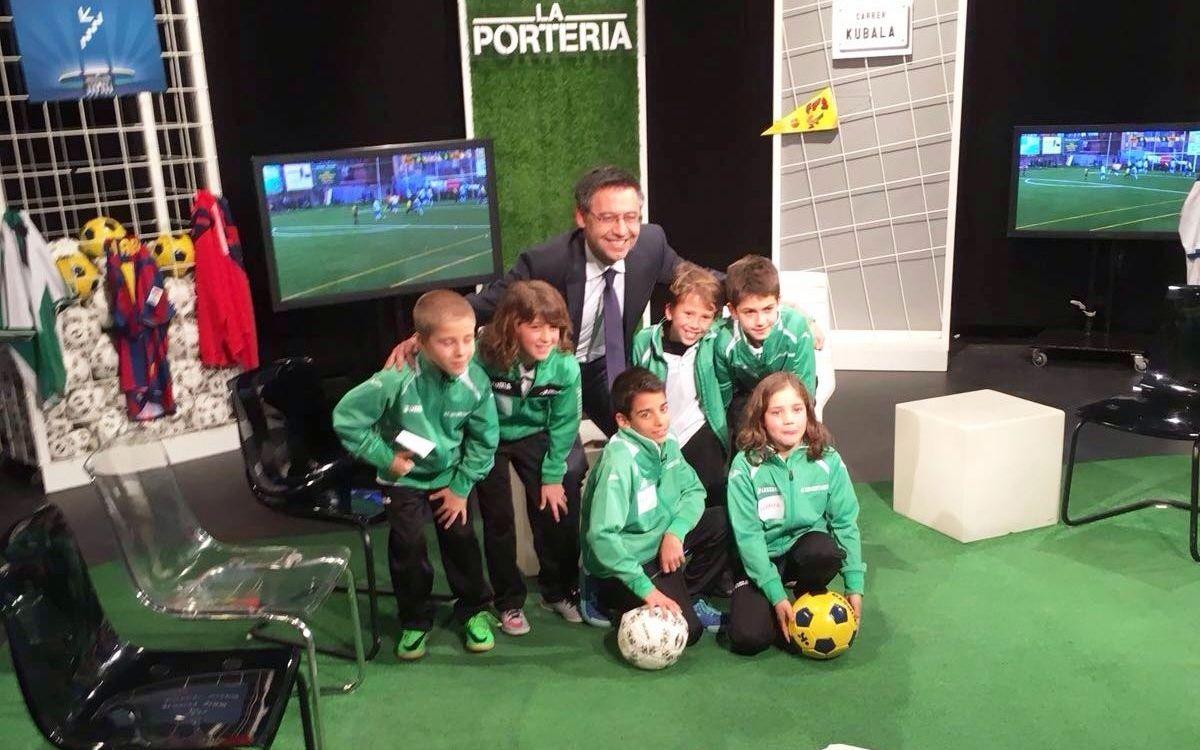 Josep Maria Bartomeu responde a las preguntas de los más pequeños