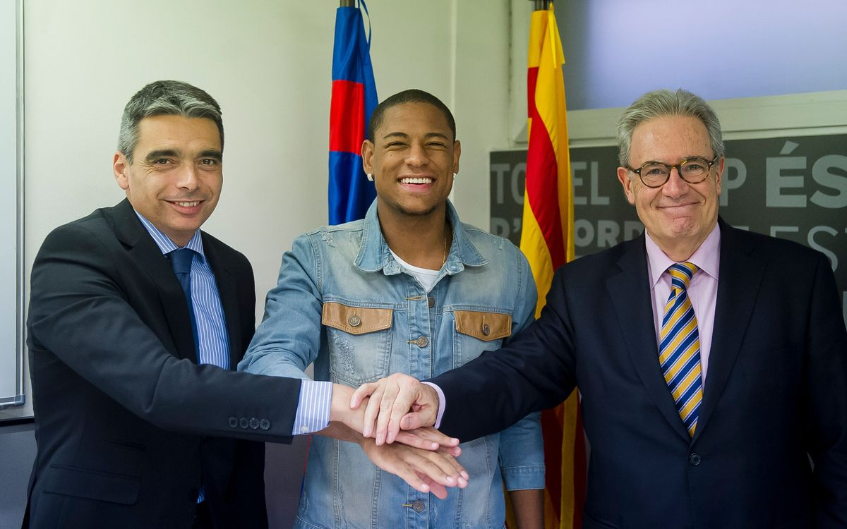 Barça B sign Roberto Gonçalves on loan