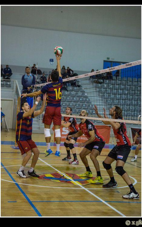 El voleibol masculino cae ante el líder (0-3)