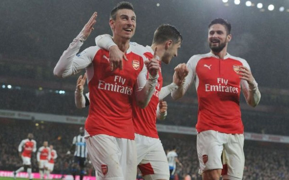 Rival Watch: Back to back wins take Arsenal to the top of the Premier League
