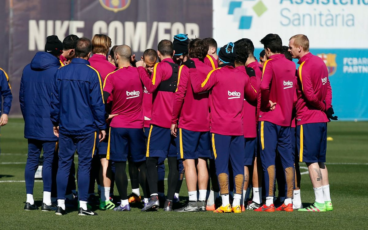 Eighteen FC Barcelona players to travel to Gijón