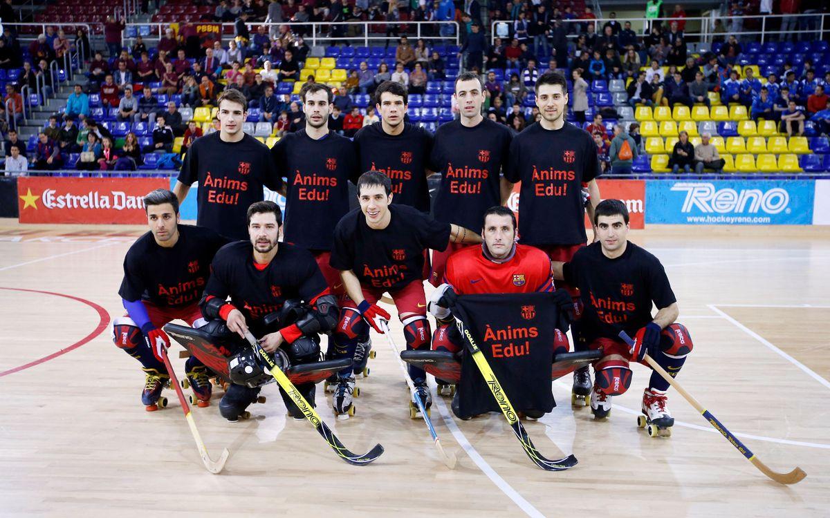 Los jugadores del Barça Lassa lucen una camiseta de apoyo a Edu Lamas