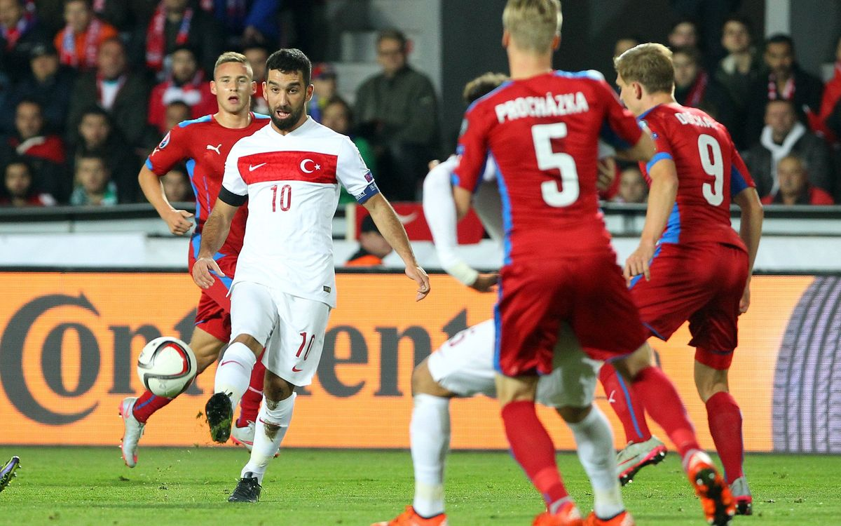 Rakitic's Croatia, Turan's Turkey both win, stay alive in Euro 2016 qualifying