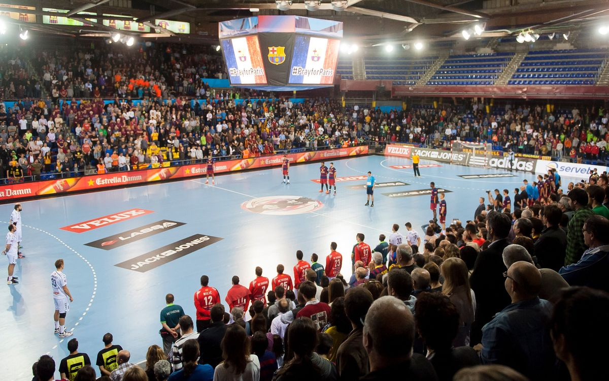 The Palau Blaugrana shows support for the victims of the attacks in Paris